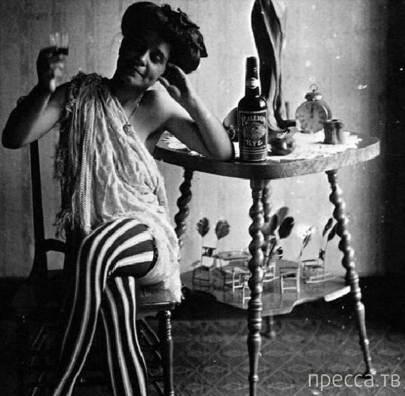 Фотопортреты куртизанок, сделанные в 1912 г. фотографом Эрнестом Беллоком (Ernest Bellocq) (18 фото)