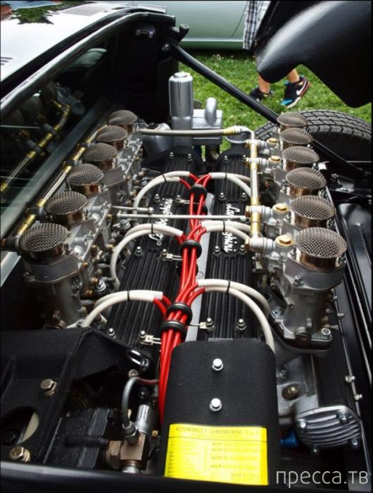 Коллекция самых мощных моторов и заряженных автомобилей с различных выставок и автошоу (45 фото)