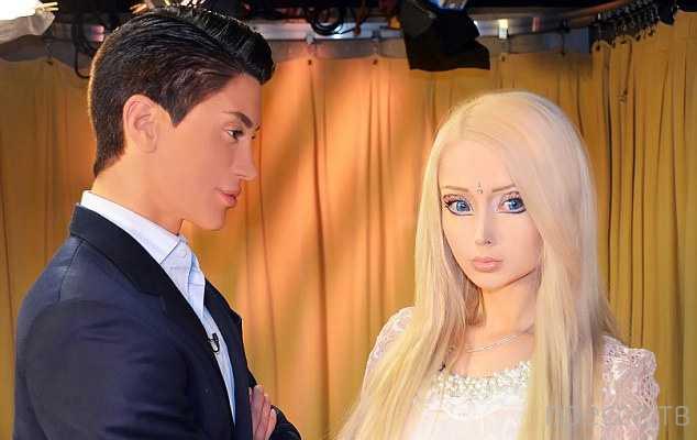 Кен из Нью-Йорка обозвал украинскую Барби дешевой подделкой и сравнил с трансвеститом (7 фото)