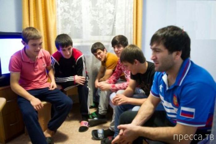 11 спортсменов из Дагестана спасли 30 пассажиров в Хабаровске  (3 фото)