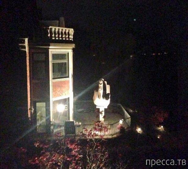 Привет бывшей жене-потаскухе с балкона дома напротив (4 фото)