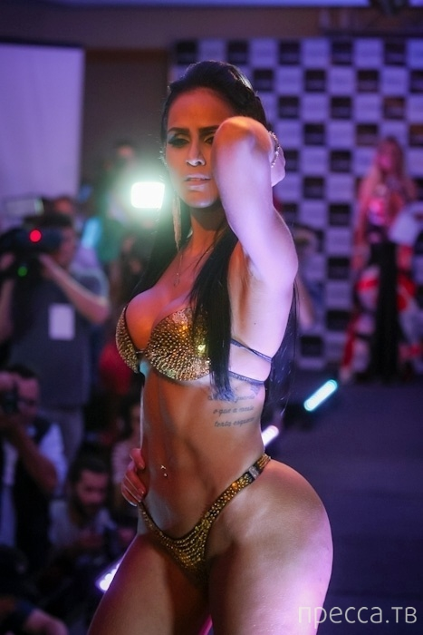 Чисто бразильский конкурс - Miss Bumbum Brasil 2013 (17 фото)