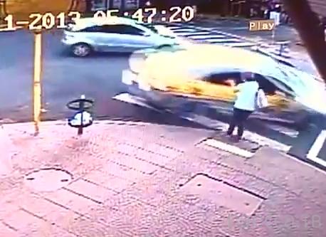 Сбили женщину на тротуаре... ДТП в Бразилии