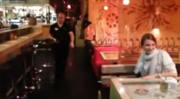 Розыгрыш с тараканом в ресторане