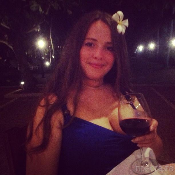 Российская модель 'плюс сайз', Виктория (15 фото)