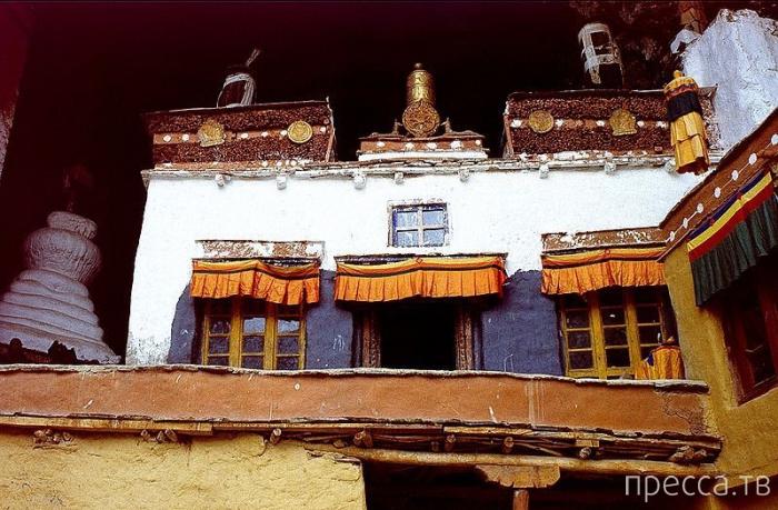 Уникальный монастырь Фуктал Гомпа в Индии (14 фото)
