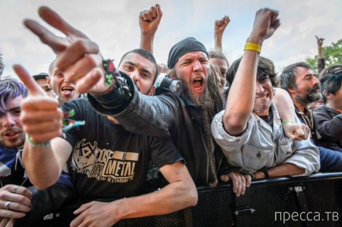 """Музыкальный фестиваль """"Hellfest-2013"""" во Франции (25 фото)"""