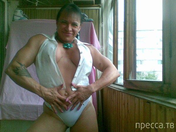 Бодибилдер Людмила осваивает мастерство соблазнения (16 фото)