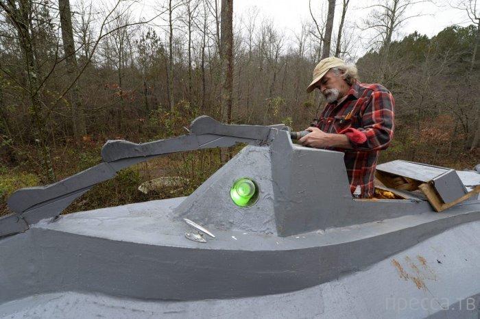 Американец Дэнни МакУильямс  построил точную копию «Наутилуса» (7 фото)