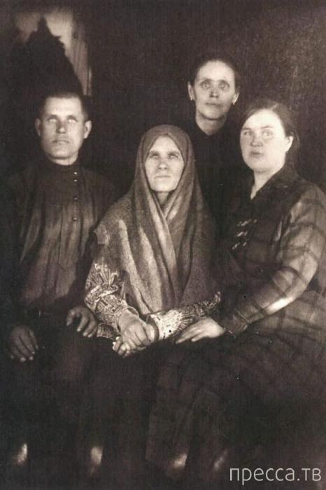Непростая судьба дочери Распутина (17 фото)