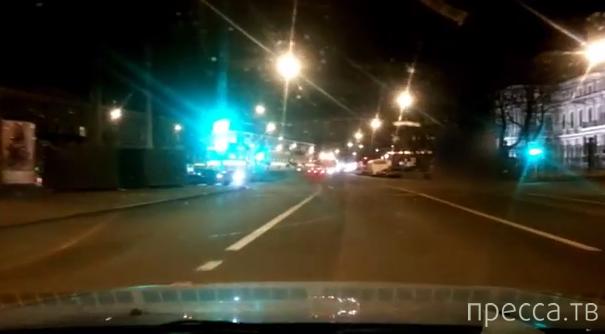 Пьяный водитель BMW спровоцировал аварию с участием четырех машин... ДТП на пл. Труда, г. Санкт-Петербург