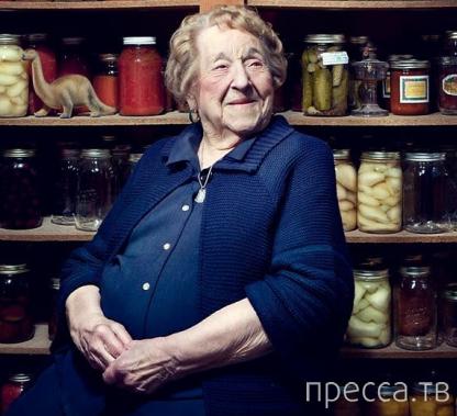 Пожилая женщина сделала тату в честь своего 103-летия! (7 фото)