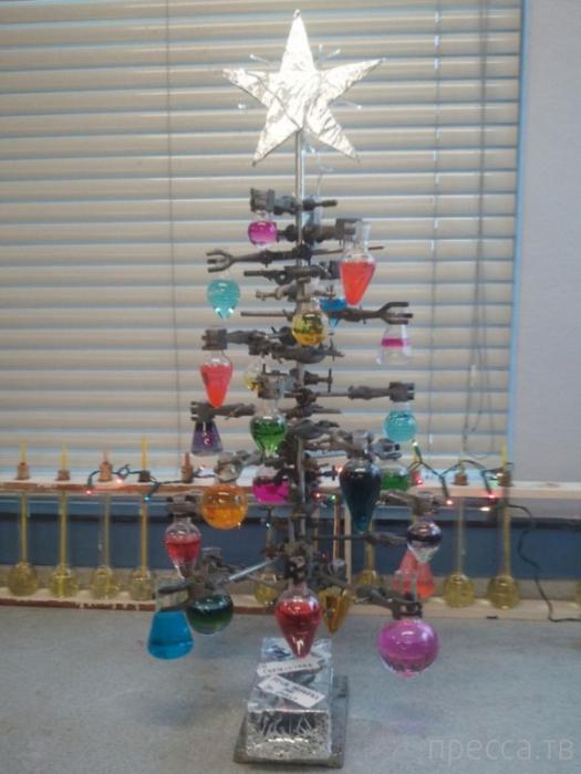 Подборка прикольных картинок на Новогоднюю тематику (57 фото)