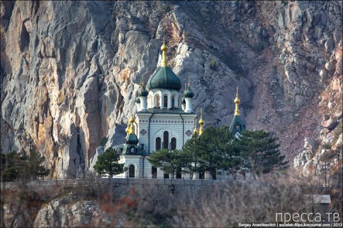 Форосская церковь на скале (16 фото)