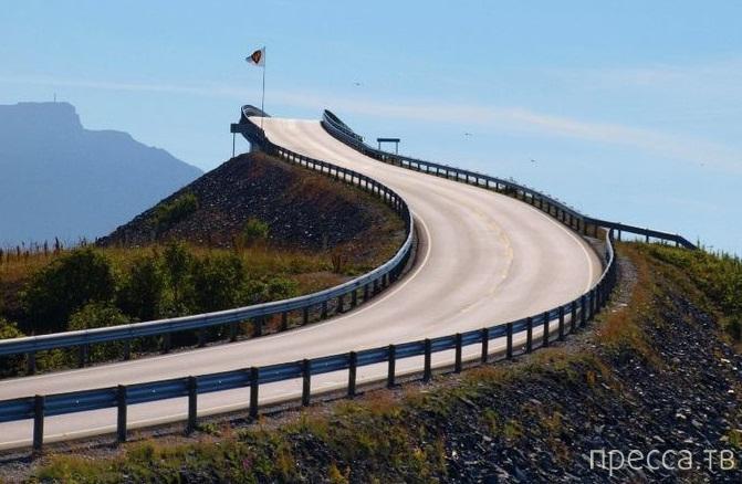 Сторсезандетский мост в Норвегии - мост в никуда (8 фото)