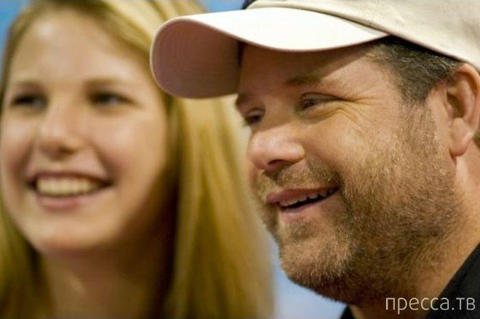 """Шон Астин с дочерью """"тогда и сейчас"""" (3 фото)"""