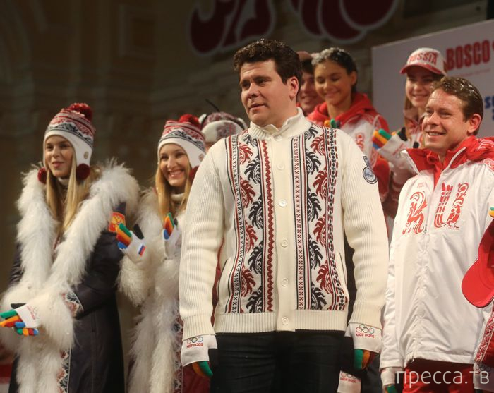 Презентация официальной формы Олимпийской и Паралимпийской команд России (9 фото)