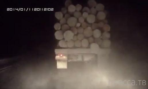 Чуть не въехал в лесовоз... ДТП на трассе Сыктывкар-Ухта