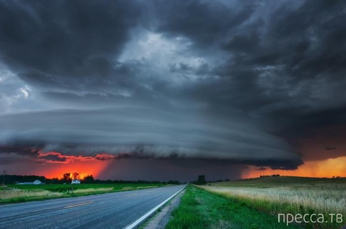 Ураганы от американского пейзажного фотографа Майка Холлингсхеда (14 фото)