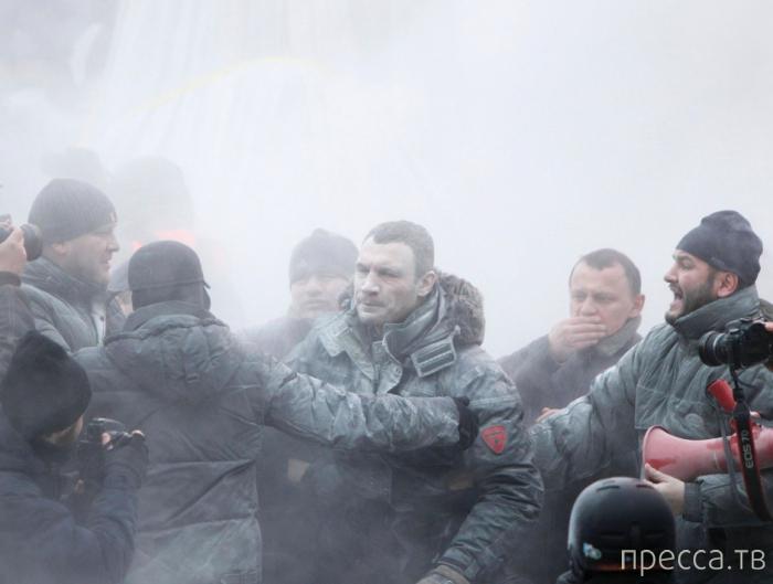 Крещенское побоище в Киеве (10 фото)
