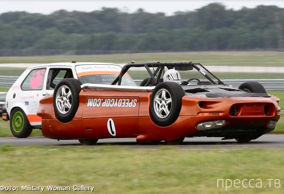 Перевёрнутый автомобиль – верное оружие для победы в гонке! (24 фото + видео)