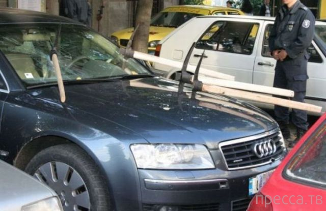 Самые яркие примеры автомобильного вандализма (14 фото)