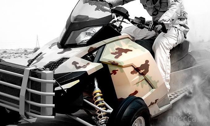 Военный гусеничный мотовездеход для пустыни (9 фото)