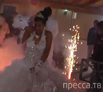 Фейерверк на цыганской свадьбе в Румынии