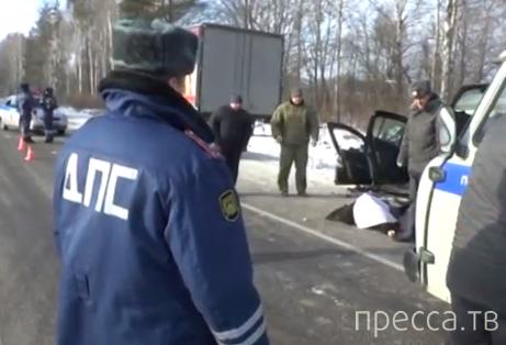 Жесть!!! Два человека погибли... Лобовое столкновение на 21 км трассы Брянск - Новозыбков
