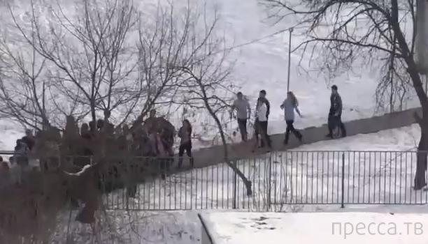 Захват школы в Отрадном - эвакуация детей...