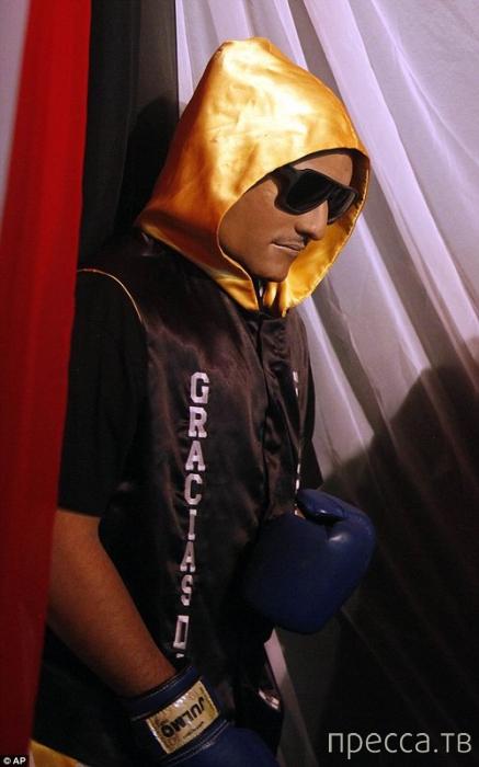 Из похорон пуэрториканского боксера устроили шоу (3 фото)
