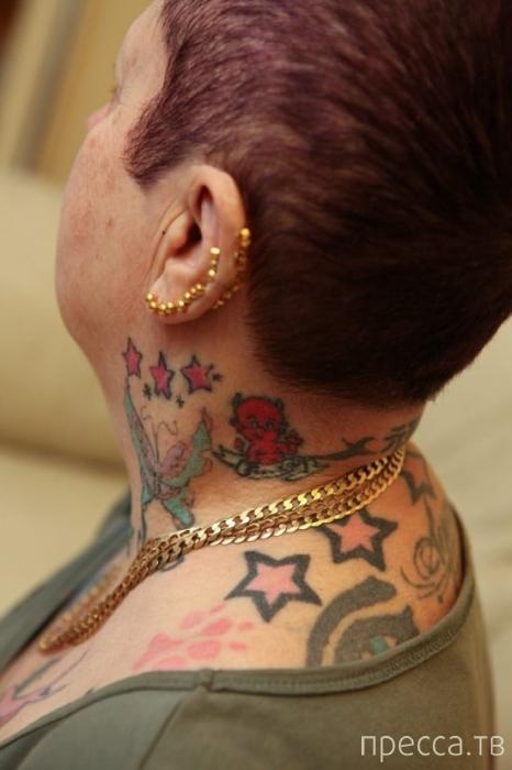 64-летняя Шейла Джонс, которая любит татуировки (9 фото)