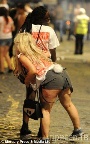 Ливерпульские студенты отметили Playboys vs Bunnies (27 фото)