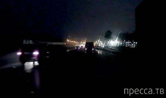 """""""Opel """" влетел в """"Toyota Corolla""""... ДТП, Новорижское шоссе, 8 км от МКАД, г. Москва"""