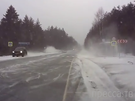 Водитель чудом справился с управлением... ДТП на Костромском шоссе, трасса М8