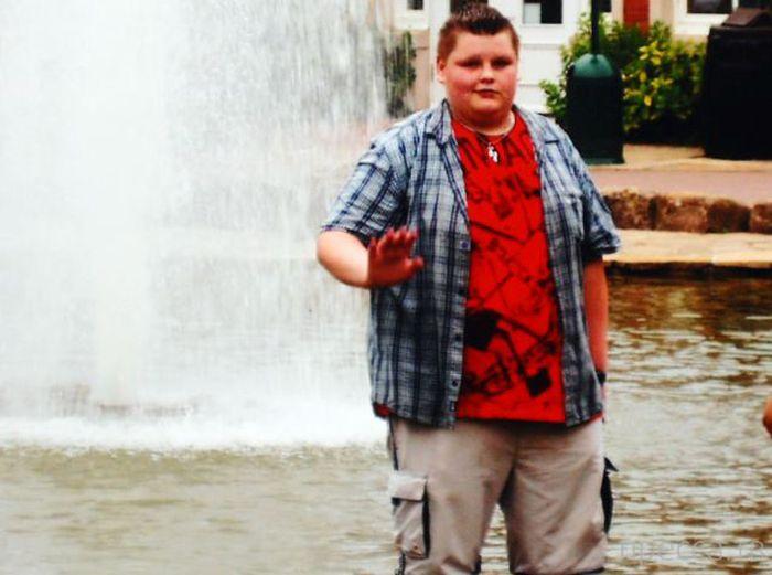 23-летний парень до и после похудения на 76 кг (7 фото)