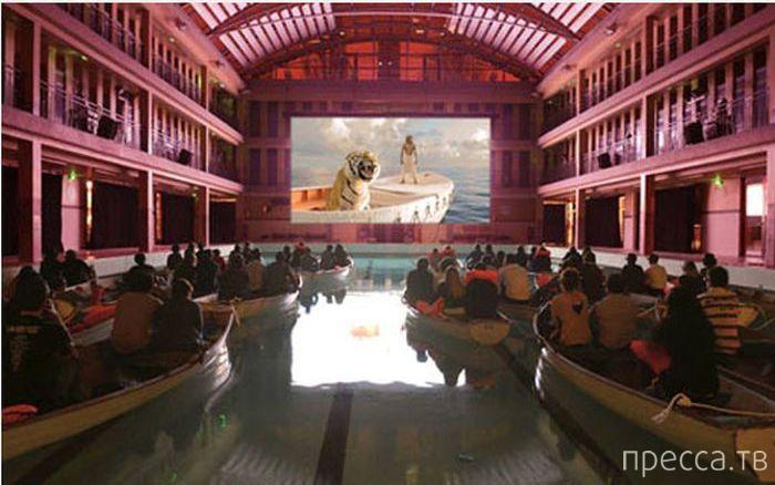Кинотеатр нового поколения (4 фото)