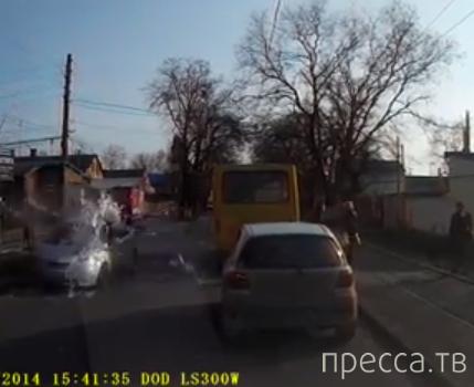 Девушка с ведром краски перебегала дорогу и попала под колеса... ДТП Черноморка, г. Одесса