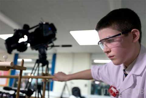 13-летний школьник из Англии собрал в классе ядерный реактор (5 фото)