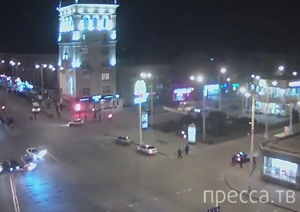 """Жесть!!! Один пешеход скончался на месте, у другого повреждена нога... Водитель """"Лады"""" совершил наезд на людей и скрылся. ДТП в г. Запорожье"""