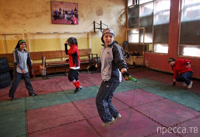 Афганские женщины-боксеры готовятся к Олимпийским играм 2016 (11 фото)