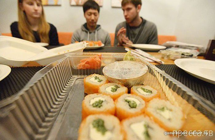Как японец оценил белорусские суши (15 фото)