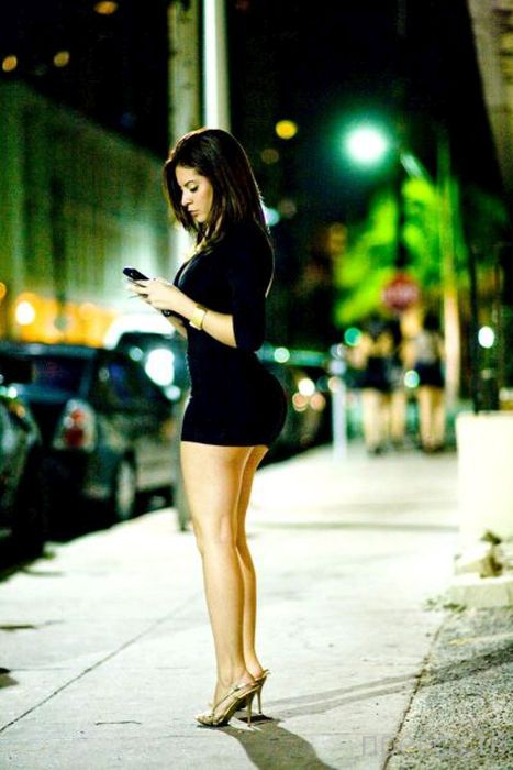 Девушки на улицах города (30 фото)