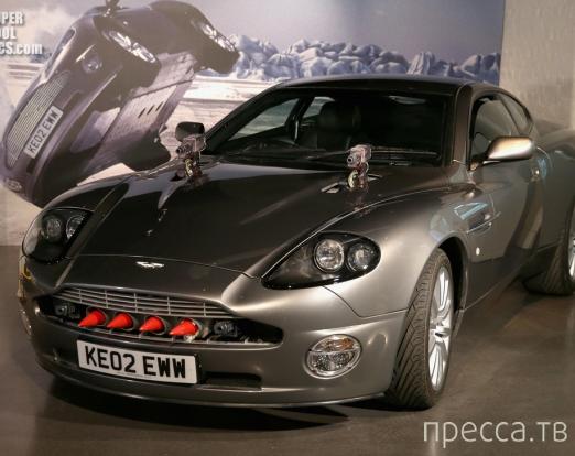 Выставка автомобилей Джеймса Бонда - агента 007 (16 фото)