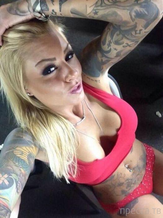 Подборка девушек с татуировками (44 фото)