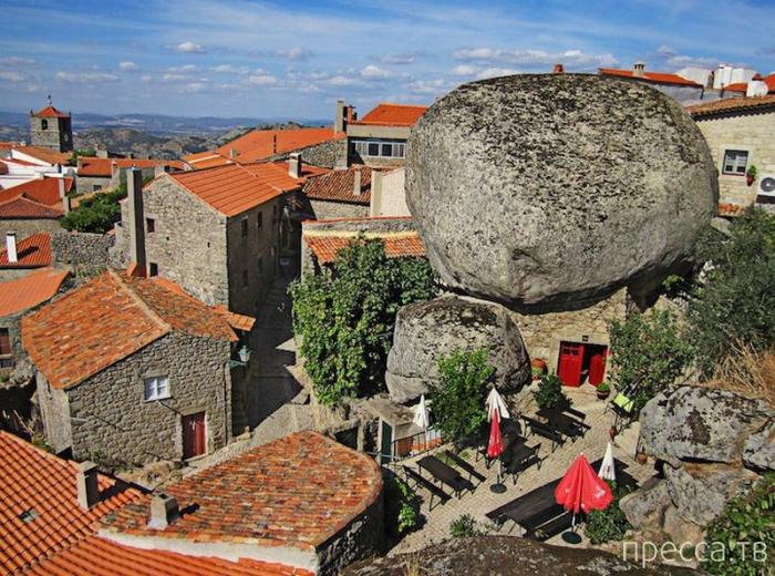 Монсанто - каменная деревня в Португалии (11 фото)