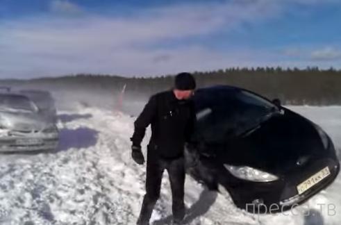 Массовое ДТП из-за снегопада на 87 км трассы Лотта - Мурманск