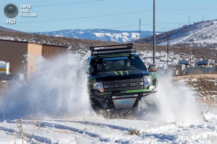 Снегоход Кена Блока на основе Ford F-150 (8 фото)
