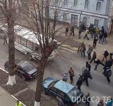 Харьковчане дали отпор спецназу на улице Чернышевского