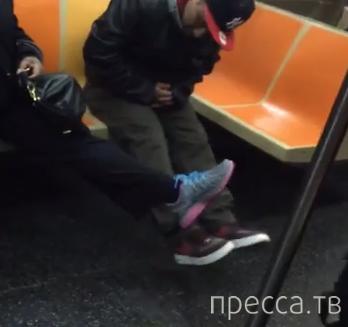 Паника из-за крысы... Проишествие в метро г. Нью-Йорк